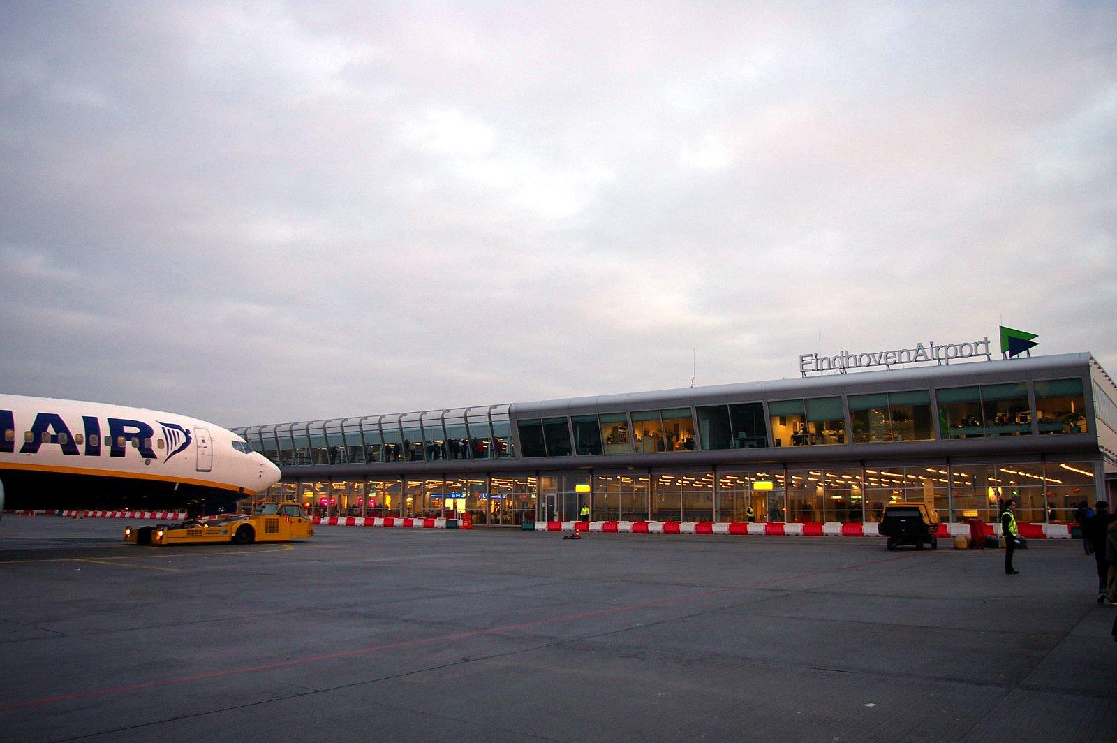 parkeerplaats eindhoven airport